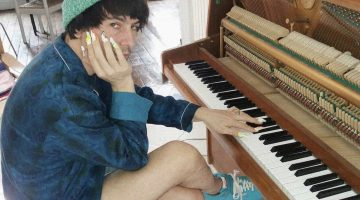 julien ribot_nails and piano